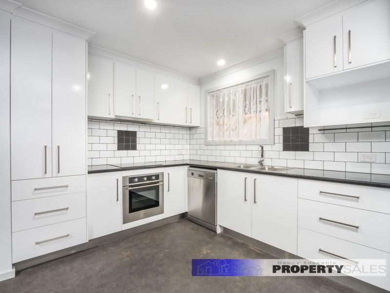 18 Ellinbank Street, Newborough VIC 3825