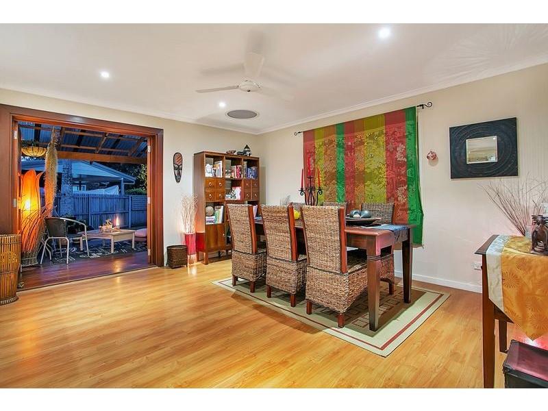 7 Goru Court, Mooroobool QLD 4870