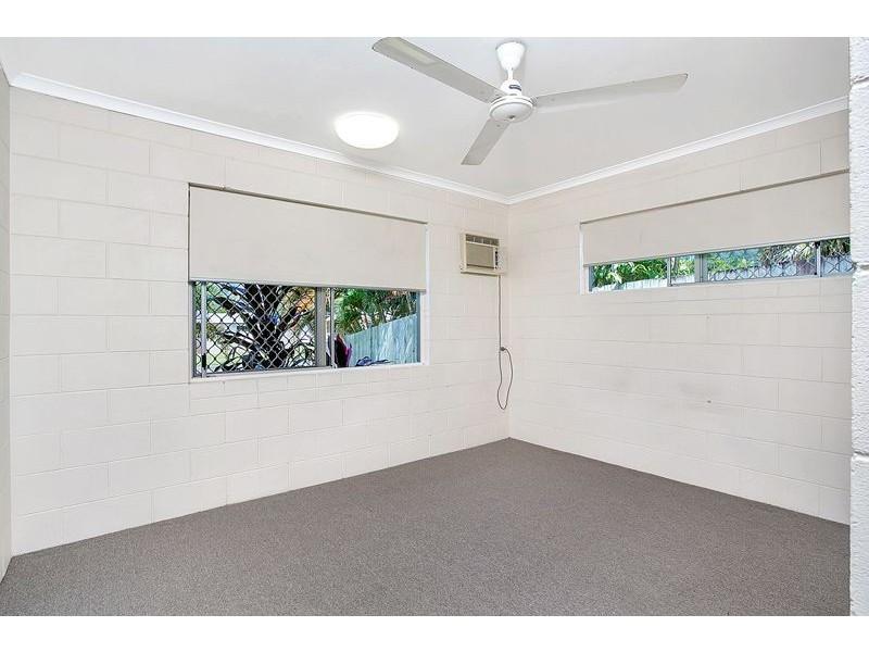 30 Beatrice Street, Mooroobool QLD 4870