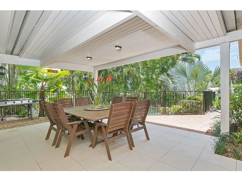 37 Summerhill Drive, Mooroobool QLD 4870