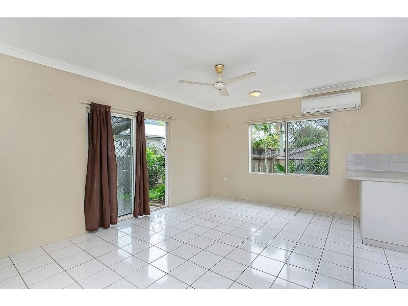 20 Robert Road, Bentley Park QLD 4869