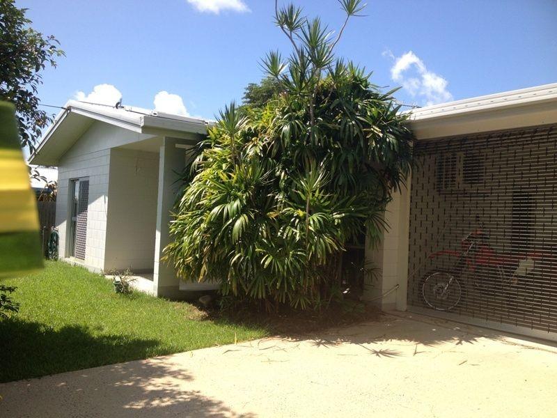 29 Dunbar Street, Mooroobool QLD 4870