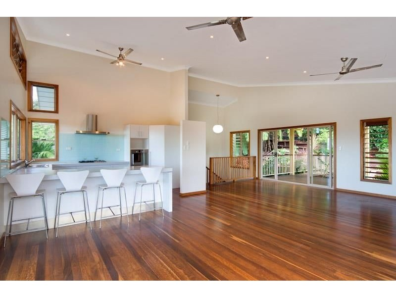 9 Trundle Terrace, Whitfield QLD 4870