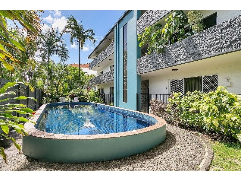 7/284 Lake Street, Cairns North QLD 4870