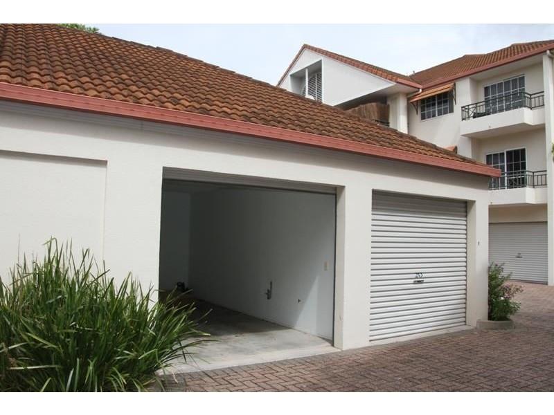 16/90 Digger Street, Cairns North QLD 4870