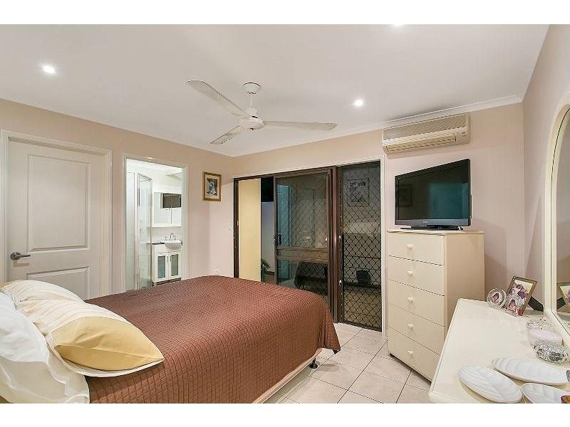 11 Augustus Street, Mooroobool QLD 4870