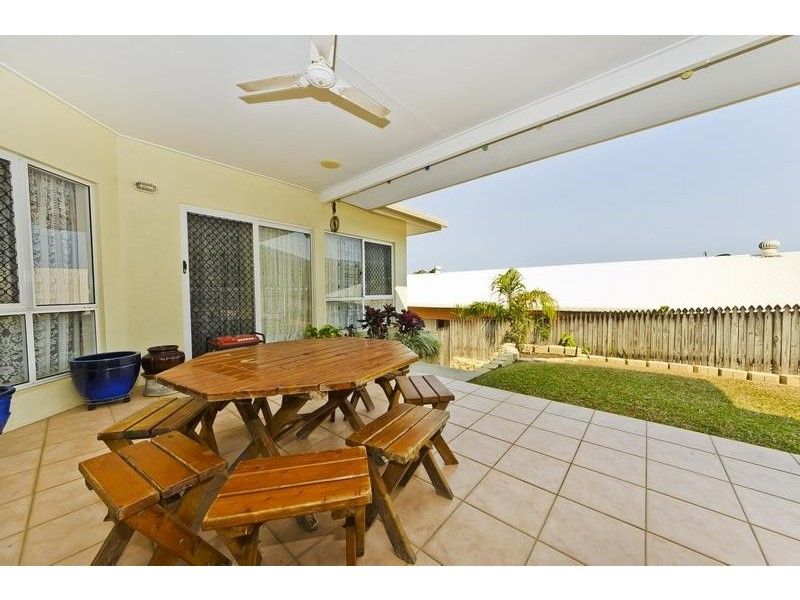 55 Summer Hill Drive, Mooroobool QLD 4870