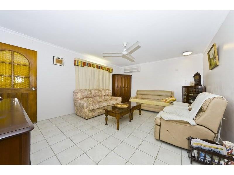 19 Augustus Street, Mooroobool QLD 4870