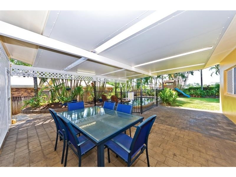 3 Summer Hill Drive, Mooroobool QLD 4870