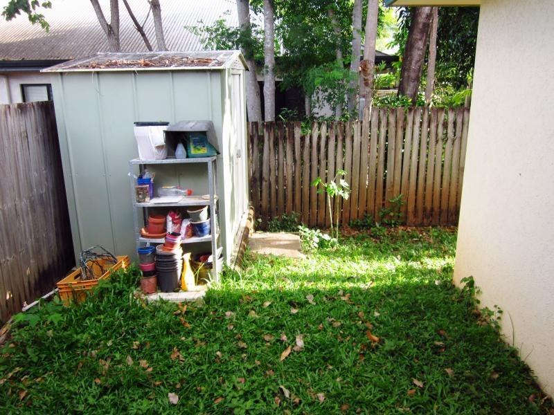 82 Silky Oak Court, Mooroobool QLD 4870