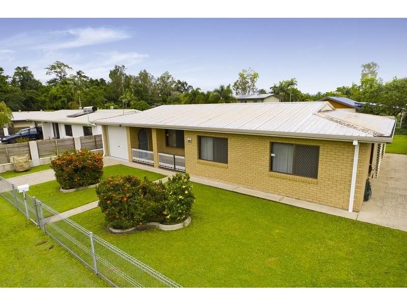 33 Beatrice Street, Mooroobool QLD 4870