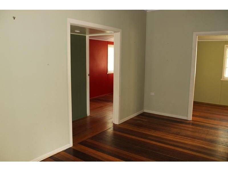 10/404 McCoombe St, Mooroobool QLD 4870