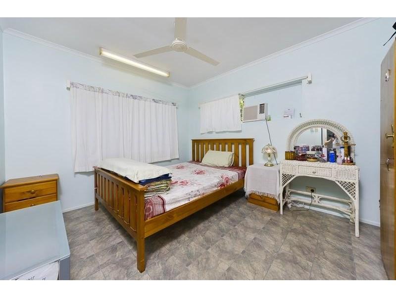 26 Dodd Court, Mooroobool QLD 4870