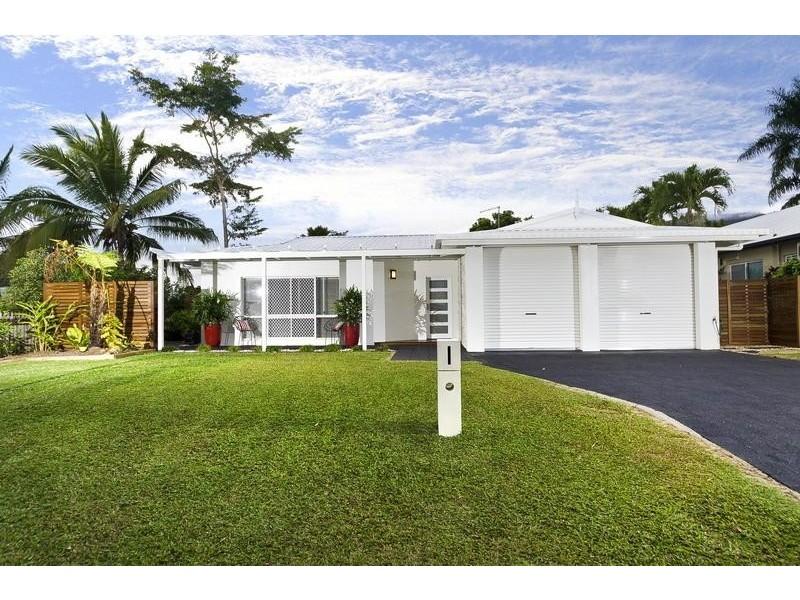 2 Redfern Place, Mooroobool QLD 4870
