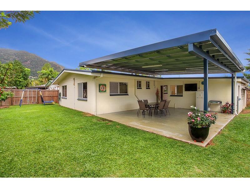 13 Carnation Drive, Mooroobool QLD 4870