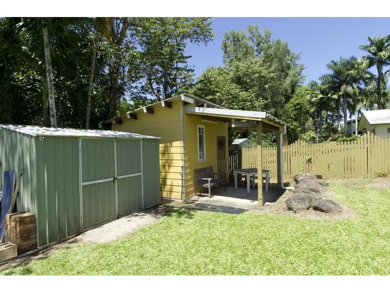 38 Callum Street, Mooroobool QLD 4870