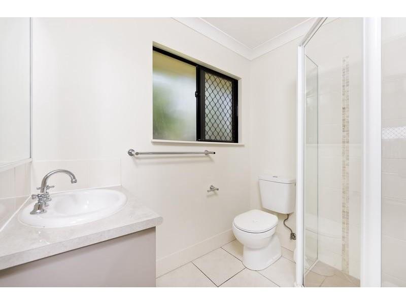 22 Dodd Court, Mooroobool QLD 4870