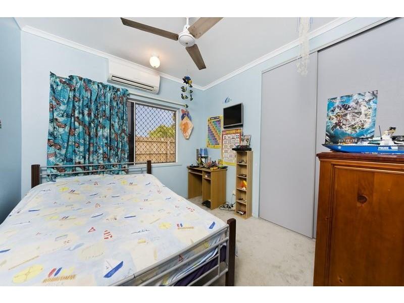 86 Callum Street, Mooroobool QLD 4870