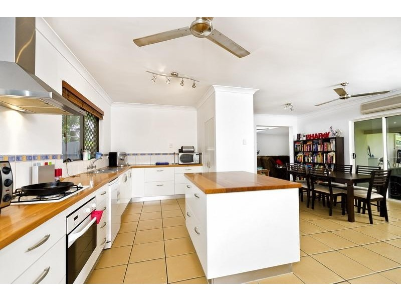 13 Coleus Court, Mooroobool QLD 4870