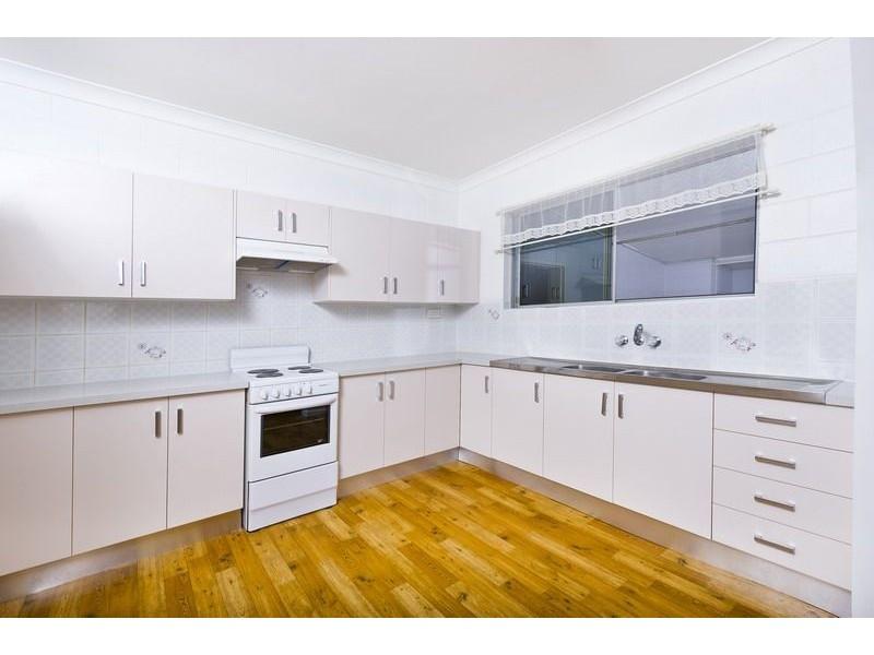 14 Lime Street, Mooroobool QLD 4870