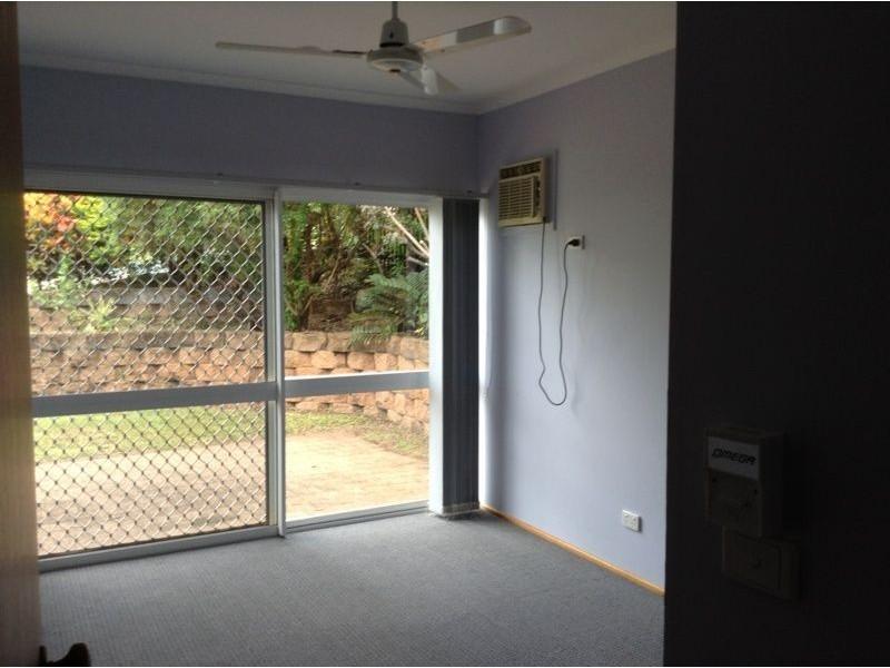 8 Rosemont Court, Mooroobool QLD 4870