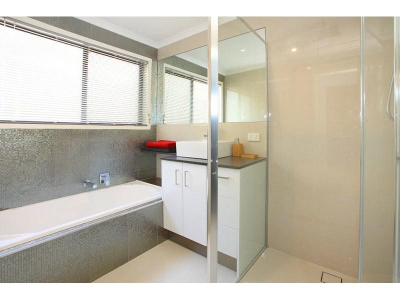 1/7 Wirth Terrace, Highland Park QLD 4211