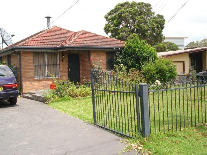 Cabramatta Ave, Miller NSW 2168