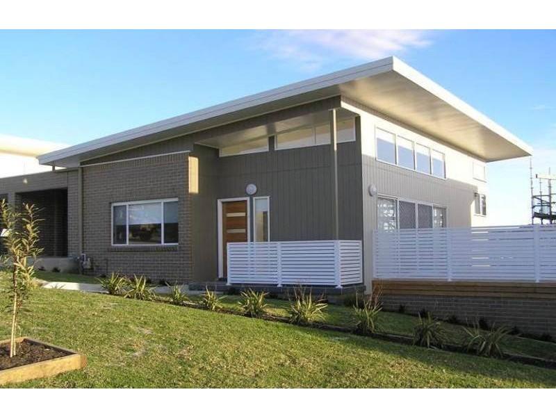 8/4 Crawford Lane, Mount Hutton NSW 2290