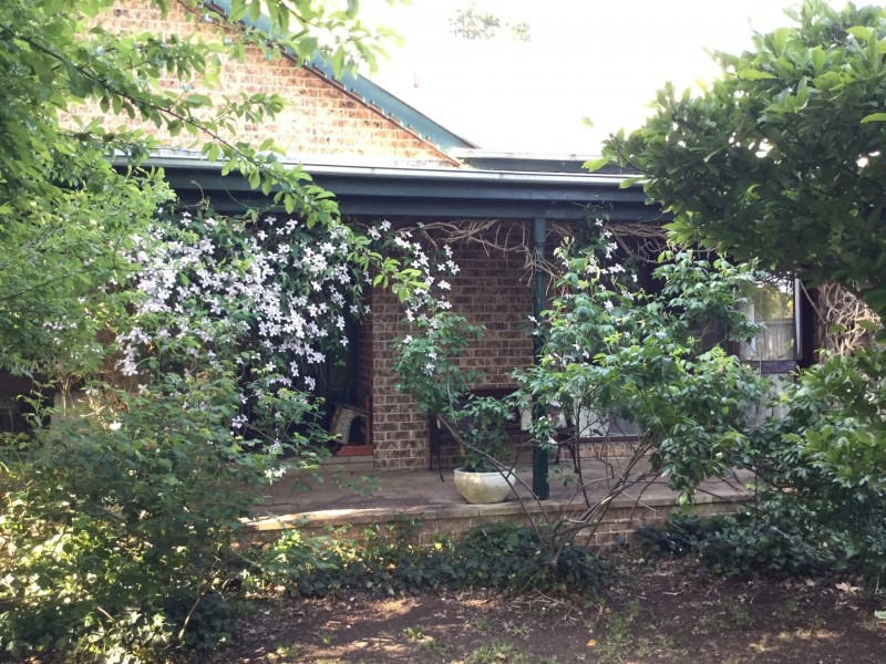 64 Park Rd, Bowral NSW 2576
