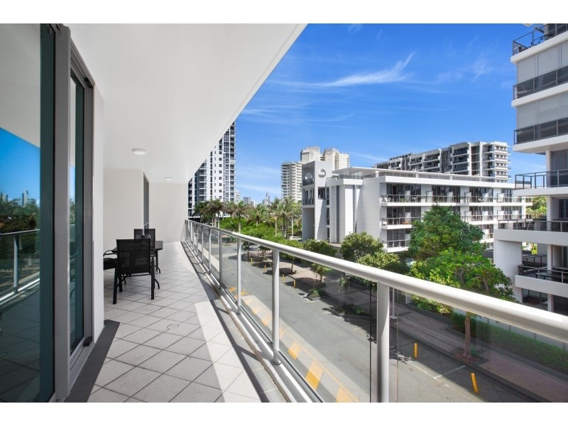 602/1 Como Crescent, Southport QLD 4215