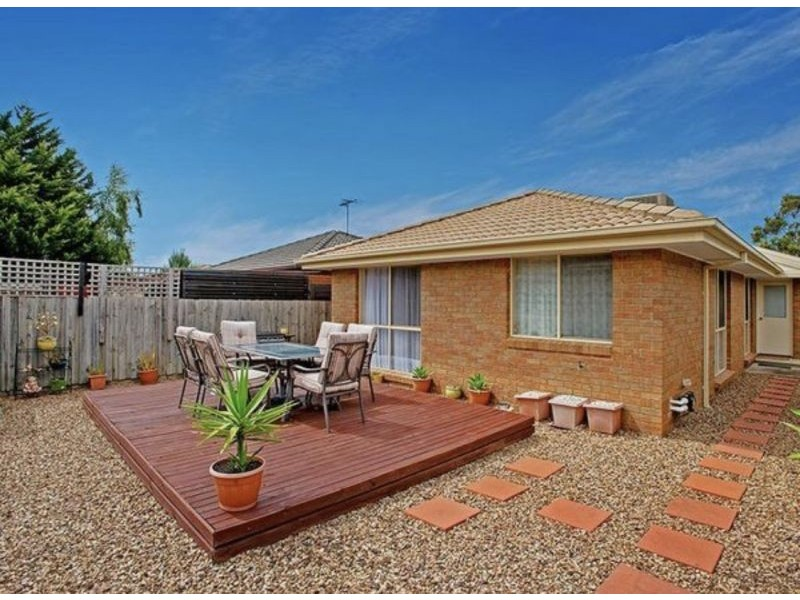 10 Whitmore Place, Hillside VIC 3037