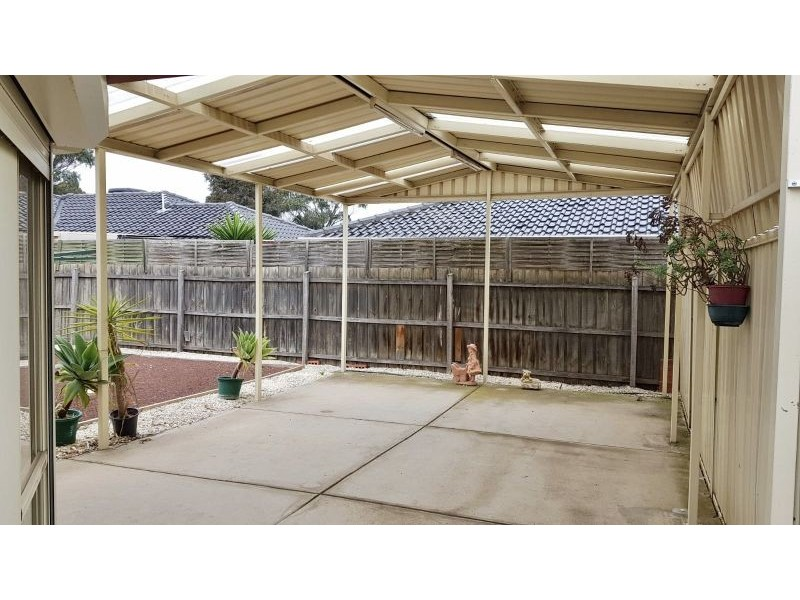 25 Currie Drive, Delahey VIC 3037