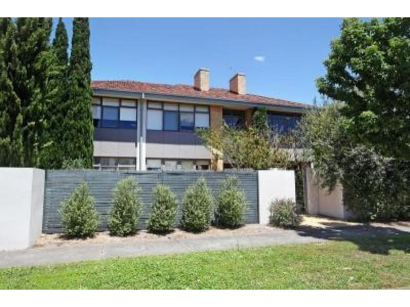 1/2-4 Mc Arthur St, Bentleigh VIC 3204