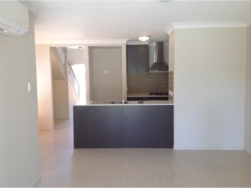 2/3  Christine Drive, Coomera QLD 4209