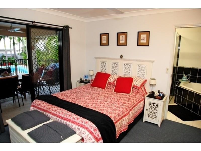 1 Brinkley Court, Mount Louisa QLD 4814