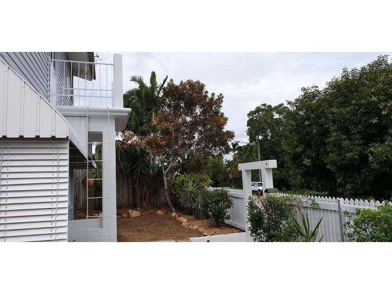 15 Baxter Street, West End QLD 4810