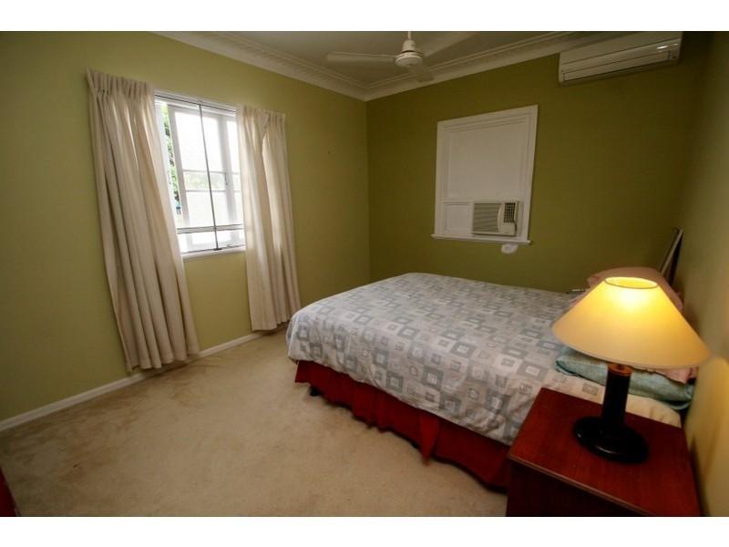 69  Campbell Street, Hermit Park QLD 4812