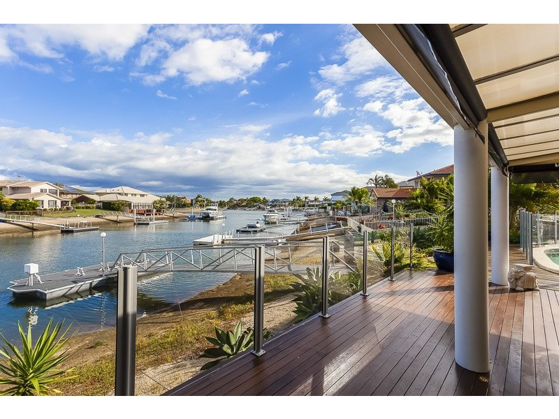 17 CONSTELLATION COURT, Newport QLD 4020