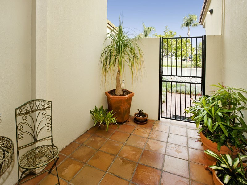 20/156 GRIFFITH RD, Newport QLD 4020