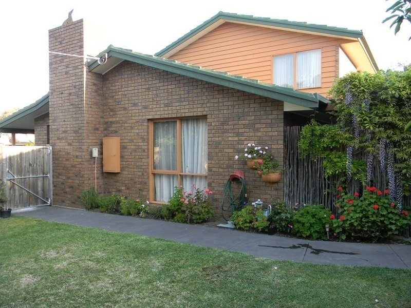 1 Armiston Grove, Altona Meadows VIC 3028