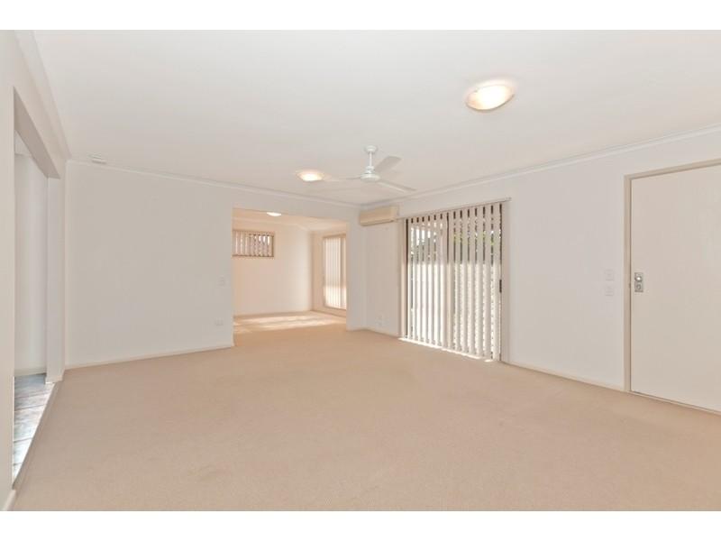 4 Springfield Crescent, Daisy Hill QLD 4127