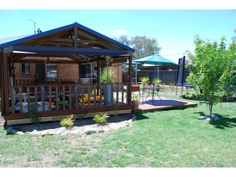 85 Adams st, Jindera NSW 2642