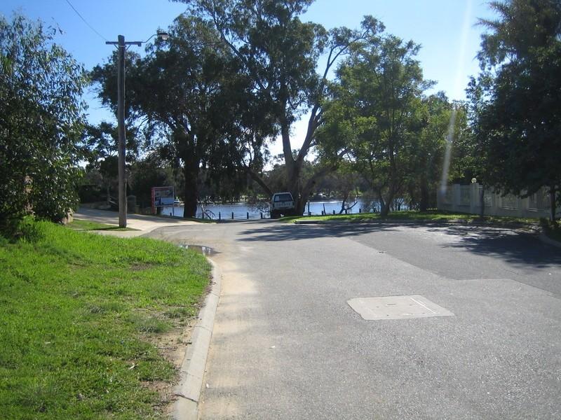 15 and 15a Kanowna Avenue West, Ascot WA 6104
