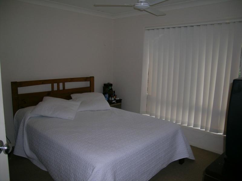 18 Robertson Drive, Burnside QLD 4560