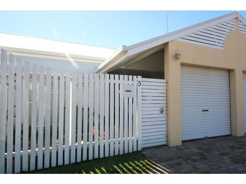 5/136 EDWARDS STREET, Ayr QLD 4807