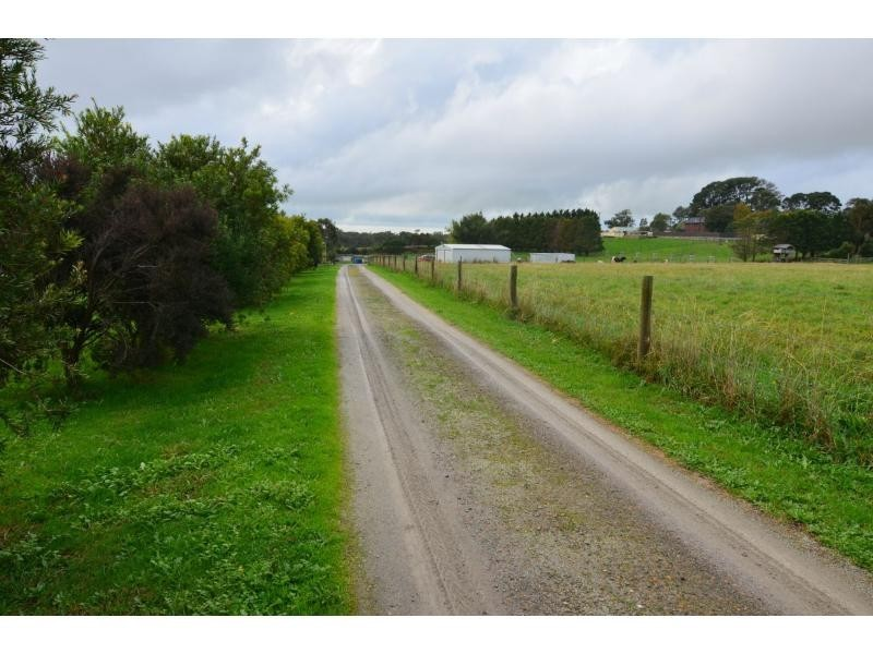 45 Follett Drive, Nyora VIC 3987