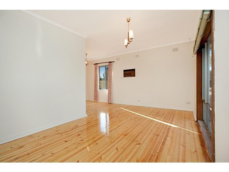 8 Broxmore Street, Elizabeth North SA 5113