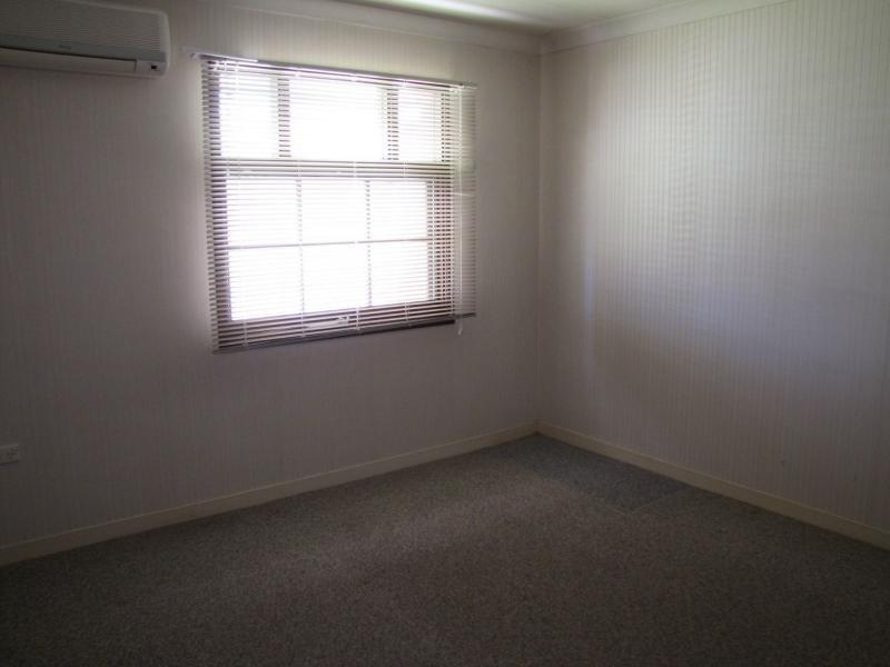 6-8 Hayes Street, Ayr QLD 4807
