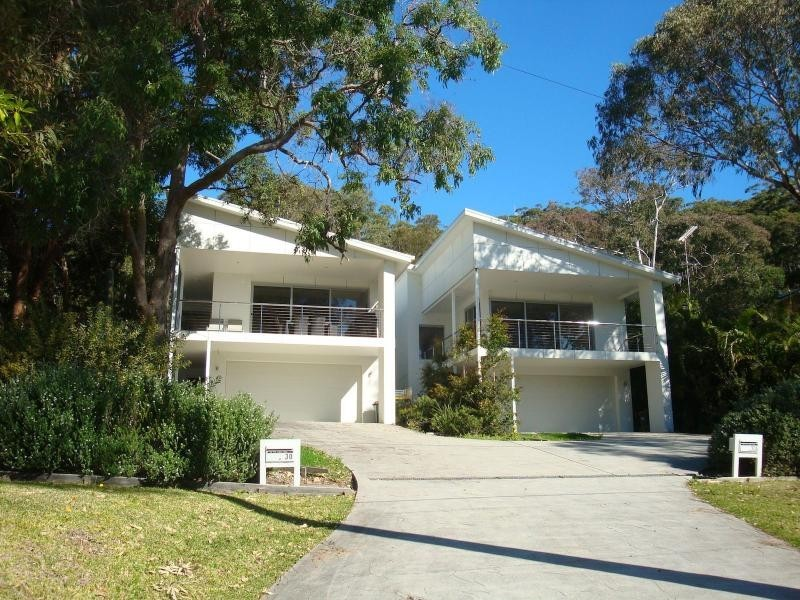 30 The Lakes Way, Elizabeth Beach NSW 2428