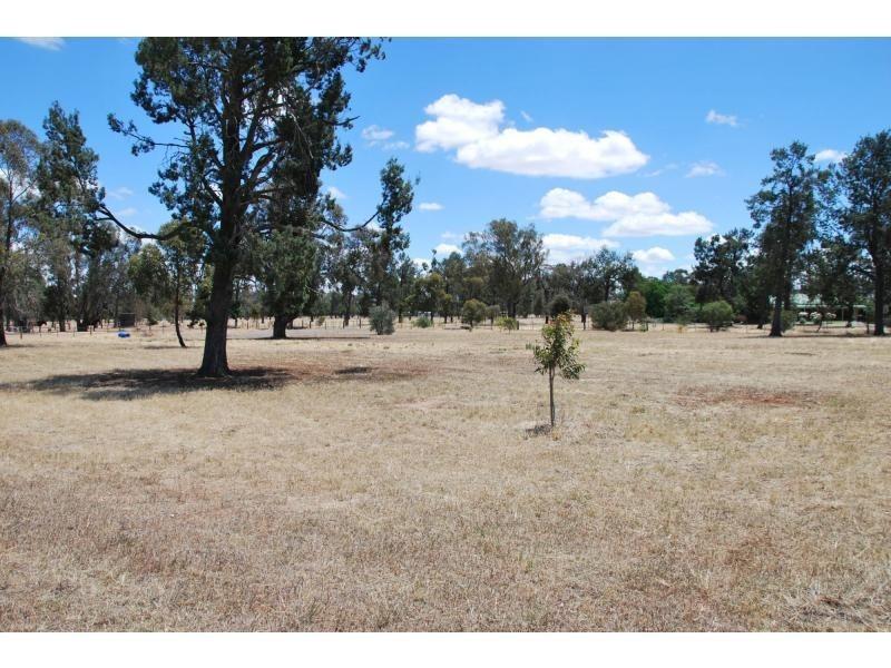32 Racecourse Road, Berrigan NSW 2712